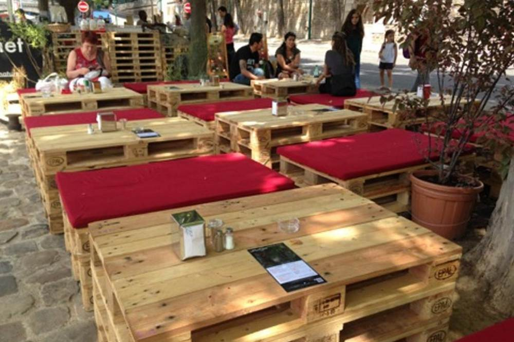 Creation palette id es de cr ation en bois de palettes for Table pour terrasse pas cher