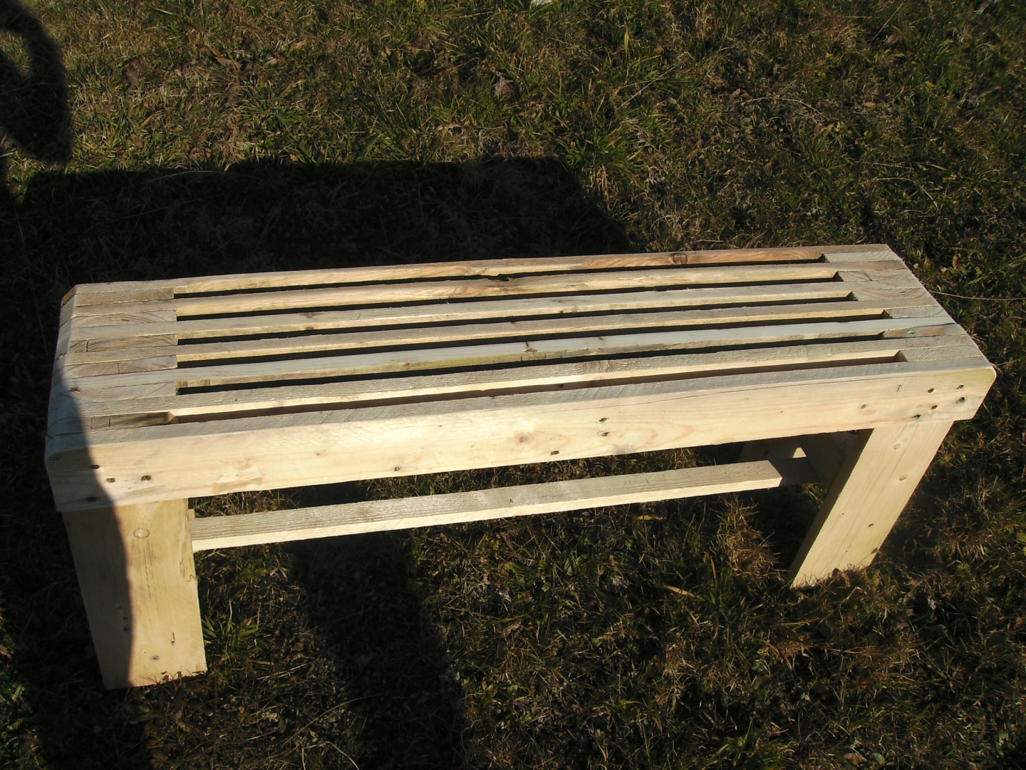 Banc en palette creation palette - Fabrication de meuble en palette ...