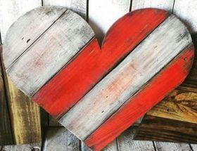 idée décoration un coeur en palette